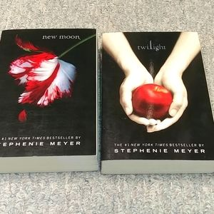 Stephanie Meyer Twilight and New Moon Books